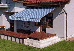 Mėlynai dryžuota markizė terasai