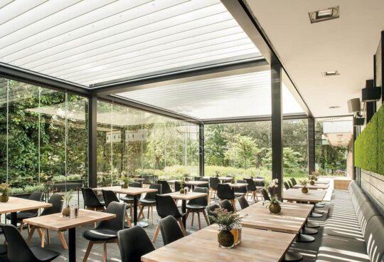 Solid bioklimaticheskaya pergola restoran otelya