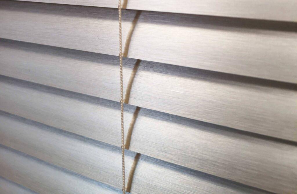 Venetian blinds private