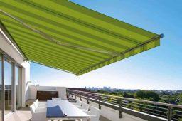Žaliai dryžuota terasinė markizė