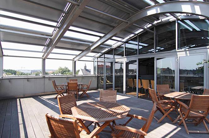 Verandos pigiau restoranų terasoms