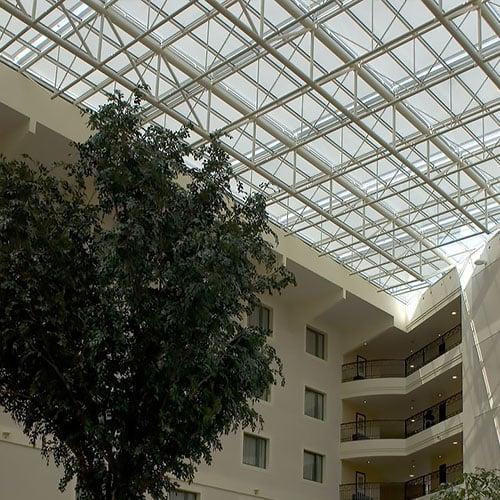 Viešbučiams verandos stogui kainos nuolaida